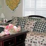 Craft Room / Bedroom Combination