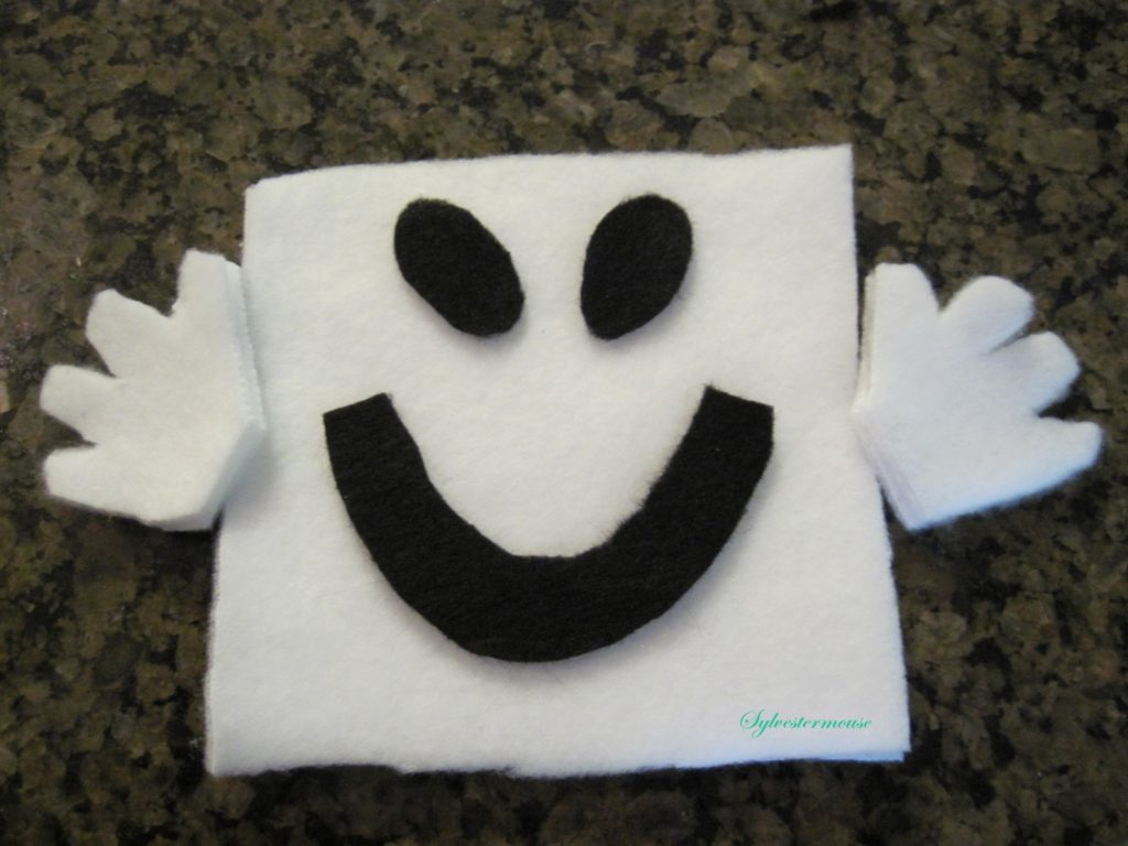 DIY Fleece Halloween Ghost
