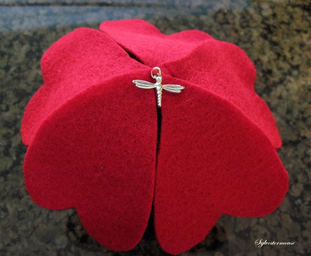 DIY Felt Pincushion Tutorial